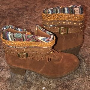 Rue 21 Brown boots